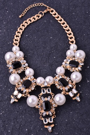 pearl-white-statement-necklace